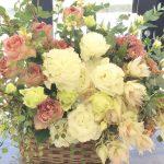 お花を贈るなら、花束 アレンジメント どっち?