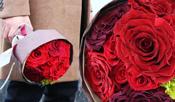 12本の薔薇の花束 ダイヤモンドローズを使用したダズンローズブーケ